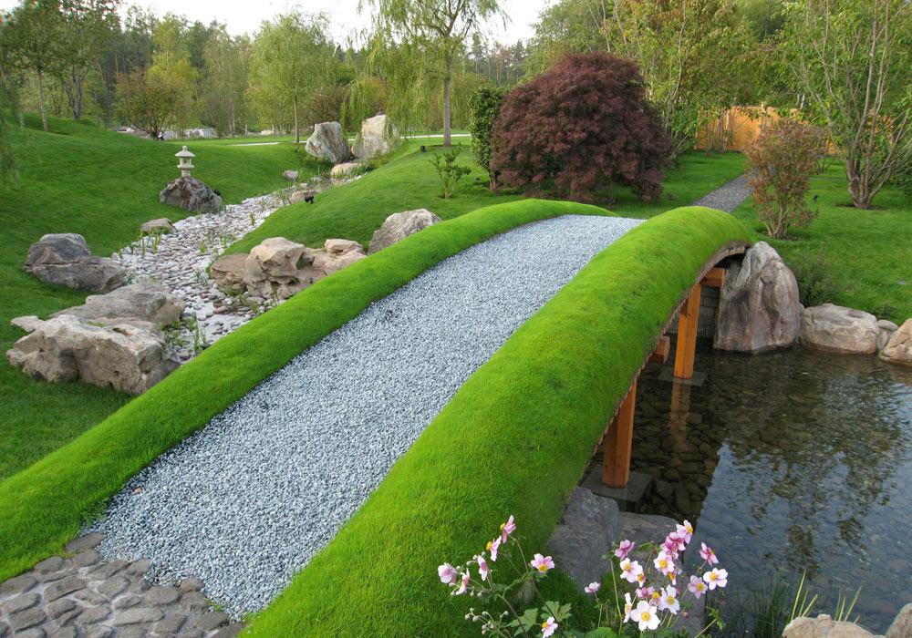 אחד הגנים של שירו, Wareth Gardens שמו. גנים מסוג קיושיקי טיין הם גני הליכה, שמציעים שביל מסומן שעובר בסוגי נוף מתחלפים (באדיבות הצוות שלנאקנה שירו)