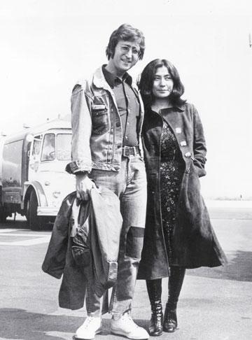 """""""מאמין רק בי, ביוקו ובי, וזאת המציאות"""".  ג'ון לנון ויוקו אונו (צילום: gettyimages)"""