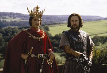 אני דווקא חושב שהכתר שלך מאוד מחמיא, הוד מעלתו