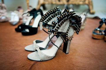 """""""אנחנו מסתכלות על נעליים ורואות את היצירתיות והאמנות שבדגם"""" (צילום: אלה אוזן)"""