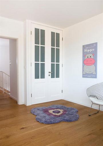 מבואת חדרי הילדים (צילום: אביב קורט)