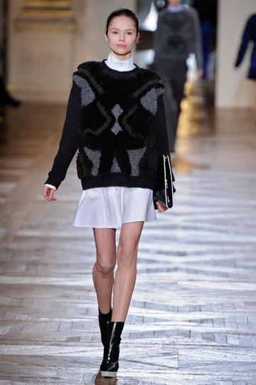 גזרות מחמיאות. תצוגת האופנה של סטלה מקרטני (צילום: gettyimages)