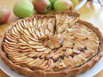 טארט תפוחים בקרם שקדים  (צילום: גלי לופו אלטרץ )
