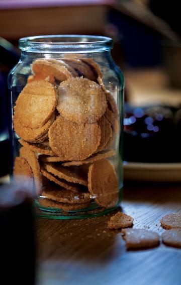 ללא קמח. עוגיות קינמון (צילום: דניאל לילה, סגנון: עמית פרבר)