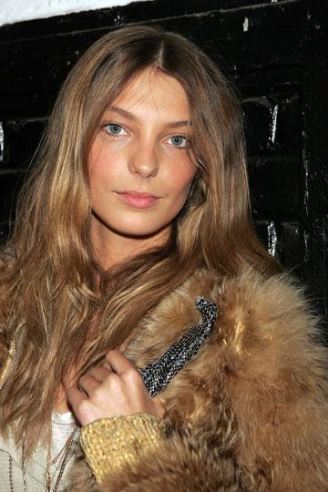 התחילה לדגמן כבר בגיל 14. דריה וורבוי, 2006 (צילום: gettyimages)