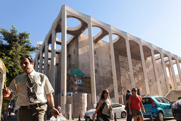 מחכה למאה טובה יותר. בית הכנסת הגדול השבוע (צילום: איל תגר)