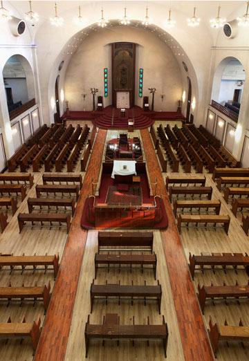 חתונות מאפשרות את הישרדותו של בית הכנסת (צילום: איל תגר)