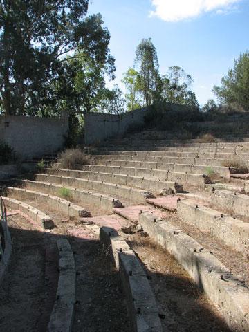 התיאטרון הנטוש בגברעם. מרשים (צילום: מיכאל יעקובסון)