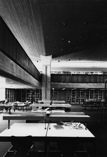 הספרייה במוזיאון ישראל (באדיבות אדריכל מיקי מנספלד)