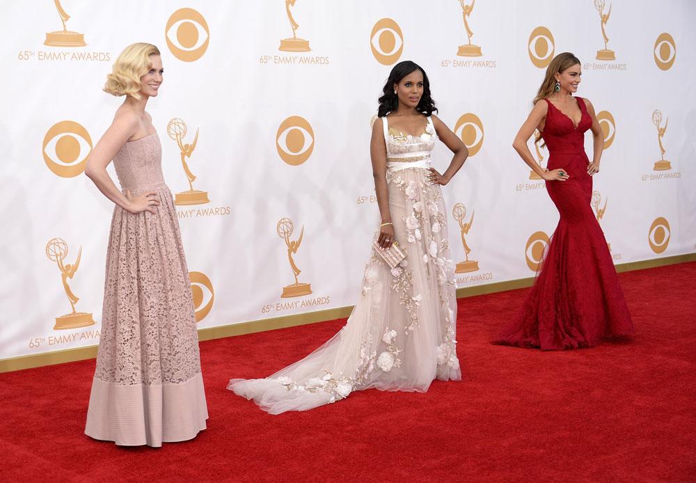 הקרב על תשומת הלב (מימין): סופיה ורגרה, קרי וושינגטון וג'נוארי ג'ונס (צילום: gettyimages)