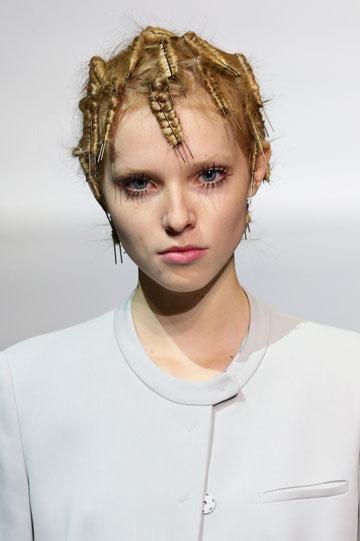 אמפוריו ארמני. הצליחו להפתיע בטרנד שיער מרענן (צילום: gettyimages)