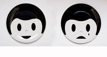 צלחות בעיצוב שני חי. קו הפה עושה את ההבדל (צילום: שירן כרמל)