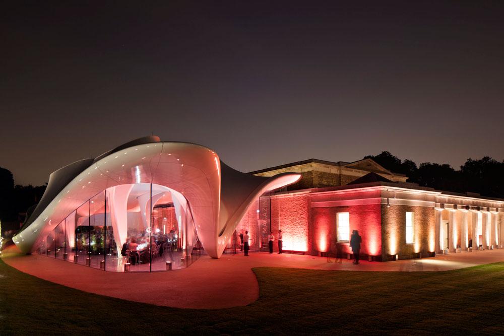 נחנכה בסוף השבוע: גלריה סאקלר, החלק החדש של גלריה סרפנטיין הוותיקה, במדשאות הייד פארק בלב לונדון. השקעה: 14.5 מיליון פאונד (צילום: Luke Hayes)