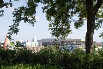 בבנייה: אצטדיון חדש (צילום: טל ניסים)