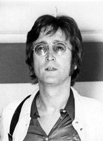 צריך להעיף אותו מהמדינה. ג'ון לנון (צילום: gettyimages)