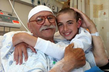 החברים הכי טובים. סבא נגיב ודניאל בבית החולים (צילום: עמית מגל)