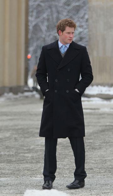 יודע לבחור מעילים מחמיאים (צילום: gettyimages)