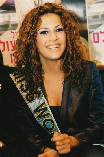 1998, מלכת היופי של ישראל נבחרת כמיס עולם (צילום: צביקה טישלר)