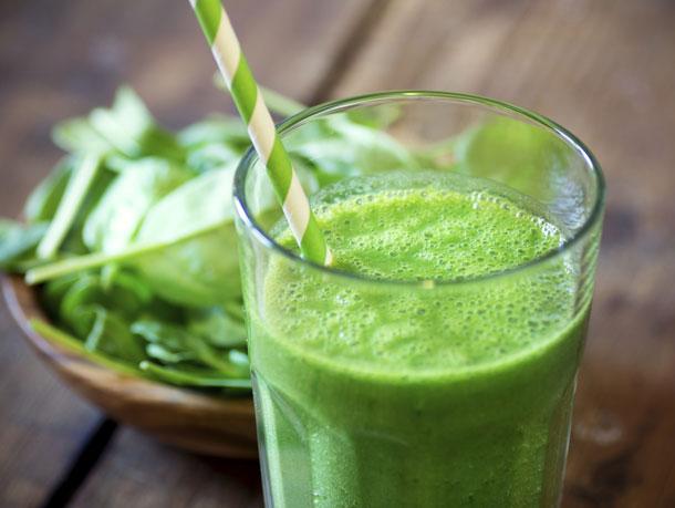 השייק הירוק מכיל את כל הטוב שיש בירקות ירוקים ולכן הוא מזרים לגוף בבת אחת כמות מרוכזת של נוגדי חמצון (צילום: thinkstock)