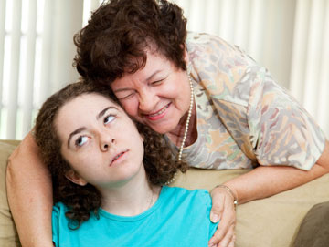 הימנעו מלהפגיש את בני הזוג עם קרובי משפחה מלחיצים (צילום: shutterstock)