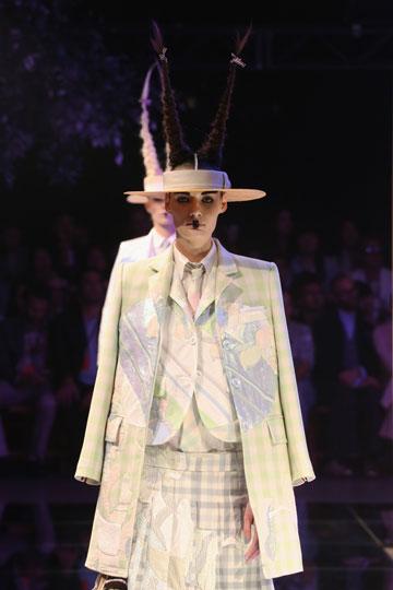 התצוגה המעניינת, המסקרנת והמיוחדת ביותר בשבוע האופנה. תום בראון (צילום: gettyimages)