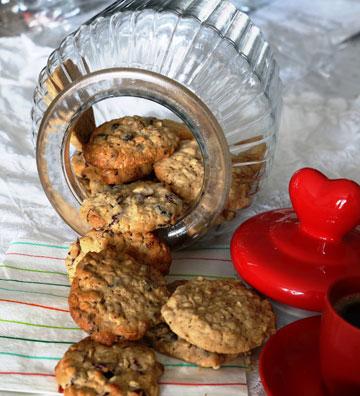 עוגיות שיבולת שועל עם טחינה (צילום: דורית מנו טל-אור)