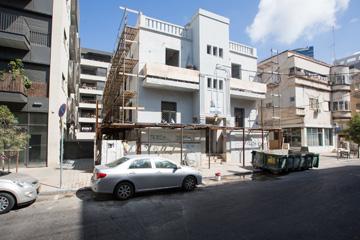 השכונה עוברת ג'נטרפיקציה ובניינים לא מפסיקים להתחדש ולהיבנות (צילום: דור נבו)