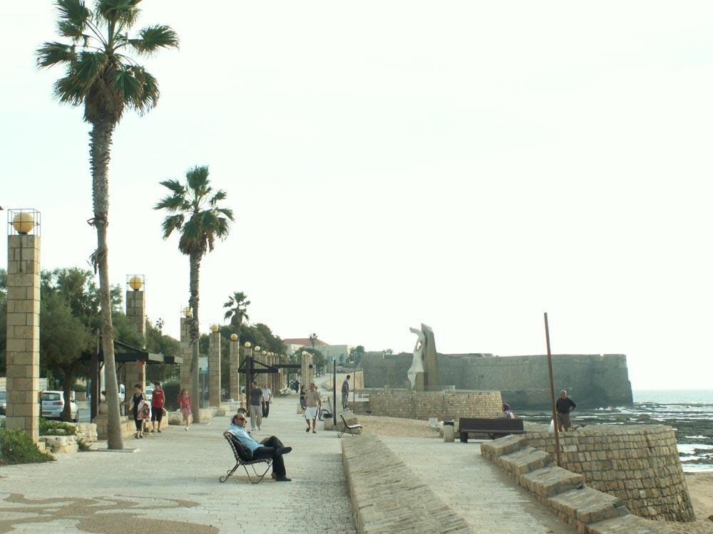 הפוטנציאל קיים, ללא ספק: עיר עתיקה, עיר מנדטורית וחוף ים אטרקטיבי (צילום: נעמה ריבה)