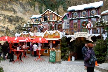 אווירת חג מולד עמוסת סמלים. וולקנבורג בחג (צילום: chris friese, cc)