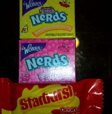 סוכריות, ממתקי ג'לי ומגוון שוקולדים (צילום מסך: טוויטר CandyCabNYC)