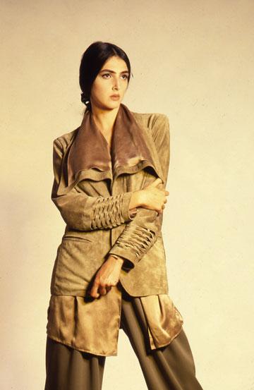 יעל רייך בפרויקט הגמר של רונן חן. ''נכנסתי עם אפס ידע, לא ידעתי לעשות בגדים כלל'' (צילום: דנה מנוסי)