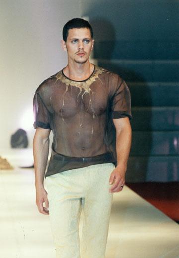 תצוגת הגמר של יוסי קצב. ''פרויקט הגמר שלי היה בגדי גברים, היחיד במחזור'' (צילום: סיוון פרג')