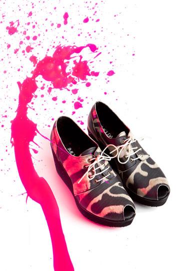 שופוני. נעליים ותיקים של 35 מעצבים צעירים (צילום: דרור בן נפתלי )