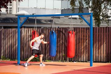 עושים ספורט בפארק (צילום: Torben Eskerod)