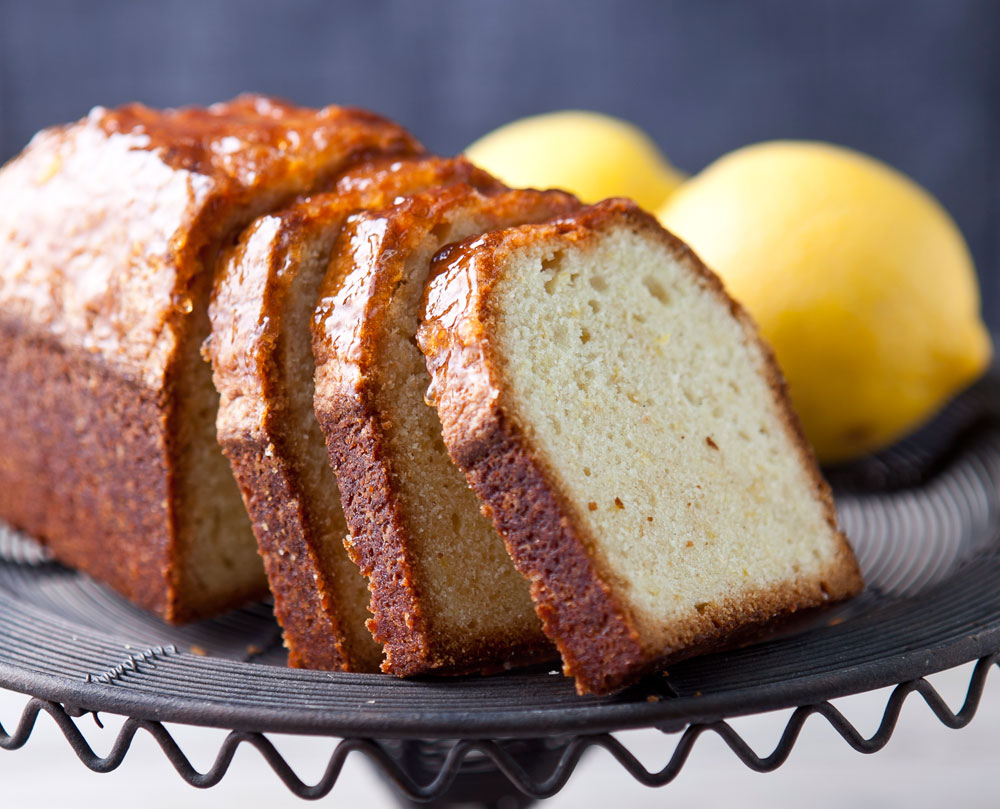 עוגת לימון בחושה (צילום: שירן כרמל, סגנון: שרון טמיר)