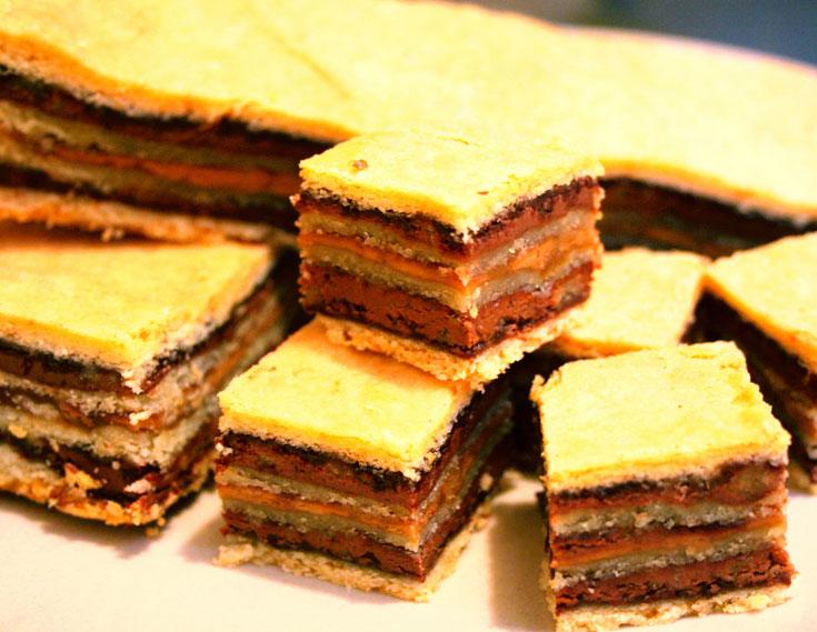 שילוב ממכר בין נוטלה לתבלינים. עוגיות שכבות עם נוטלה וממרח ספקולוס (צילום: שרון היינריך)