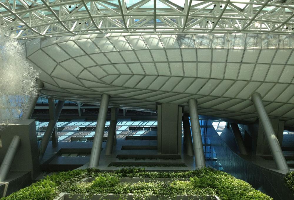 בניין עיריית סיאול. הבועה, שנמצאת במרומי הקומה השביעית, היא אולם המליאה של מועצת העירייה וממנה נשקפת העיר. הפרויקט עלה 256 מיליון דולר (צילום: נטע אחיטוב)