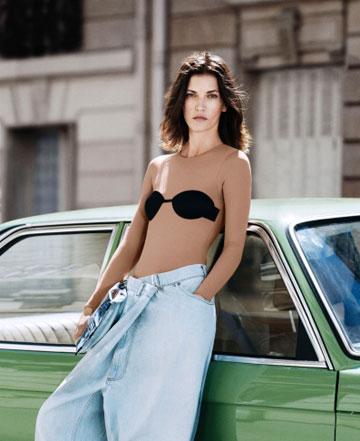 """""""אין קונפליקט בין ערכי המותג המושתת על אוונגרדיות ואנונימיות לשיתוף הפעולה עם H&M"""", טוענים בבית האופנה הצרפתי  (צילום: טיילור ווד)"""