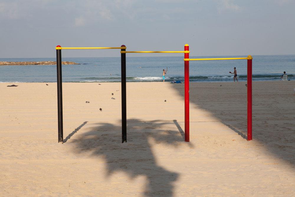 לפי התדריך החדש למתכננים ולרשויות, גם חוף הים ייחשב כשטח ציבורי פתוח וישוקלל במכסת השטחים שהתושבים זכאים להם (צילום: דור נבו)