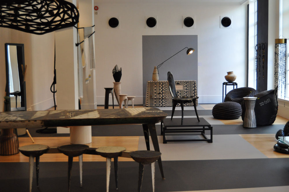 בפסטיבל העיצוב השתתפו גלריות, מוזיאונים וגם חנויות מסחריות: הביטאט, למשל, הציגה תערוכה של 16 מעצבים אפריקאים, עם עבודות עכשוויות והשפעות מסורתיות (צילום: צביה קגן)