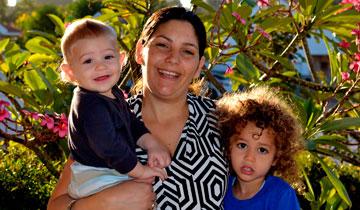 """אלינור גרשוני ומשפחתה, """"קבוצת צרכנות להורים"""""""