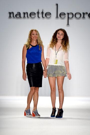 הפאואר קאפלס החדשים: אמא ובת. ננט ו-ויולט לאפור בשבוע האופנה (צילום: gettyimages)