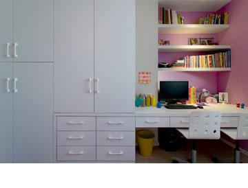 הארון בחדר הילדות הקטנות (צילום: אילן נחום)