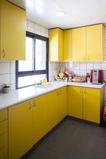 צהוב. גן הילדים בחולון (צילום: טל ניסים)