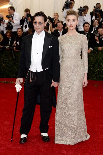 אמבר הרד וג'וני דפ. איזו שמלה היא תלבש לחתונה? (צילום: gettyimages)