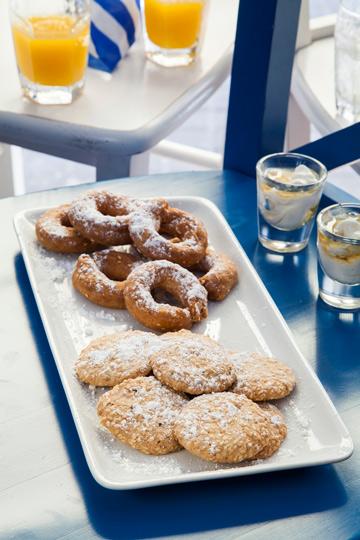 קולורקיה - עוגיות חמאה יווניות (צילום: אסף אמברם)