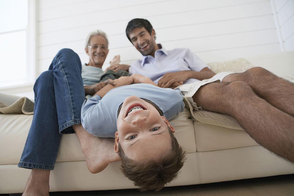 שלושה דורות של ביקורת (צילום: shutterstock)
