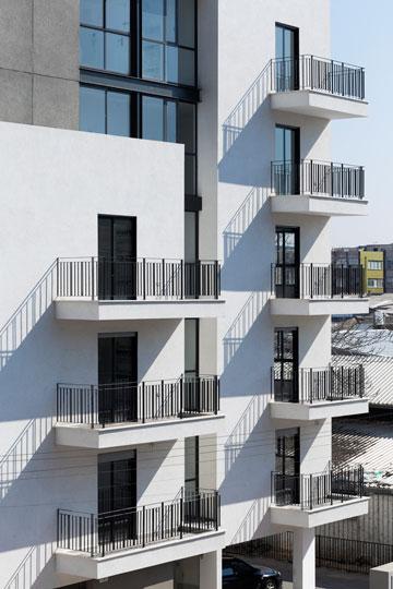 הבניין החדש, בתכנון האדריכליות לילך גרוסברד ויפעת וינציגסטר (צילום: אלעד שריג)