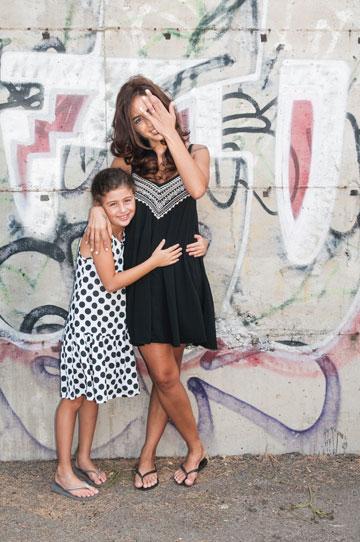 """""""היום באמת ברור לי שהאושר של הילדה שלנו תלוי באושר שלי"""". סיון גנון ובתה הילה (צילום: עדי אדר)"""