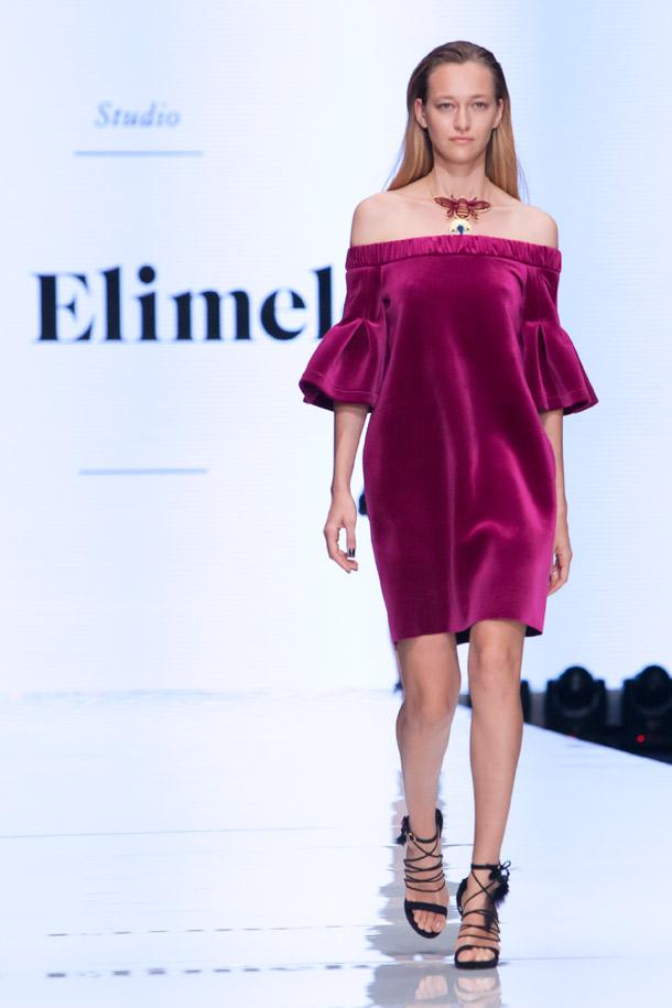 שמלות קטיפה מרשימות עם משחקי נפחים. גדי אלימלך (צילום: ענבל מרמרי)